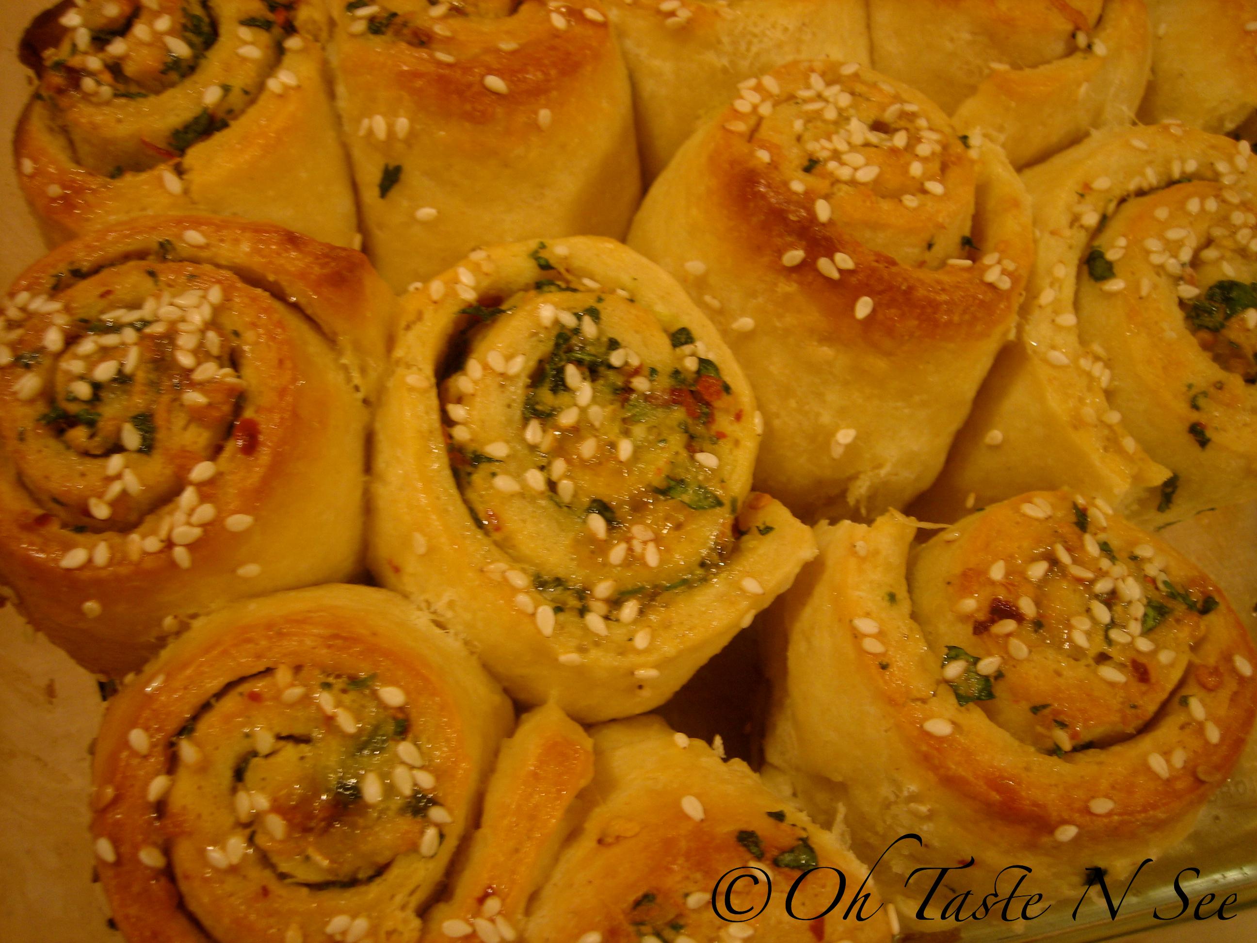 img 6975 wm - Garlic roll