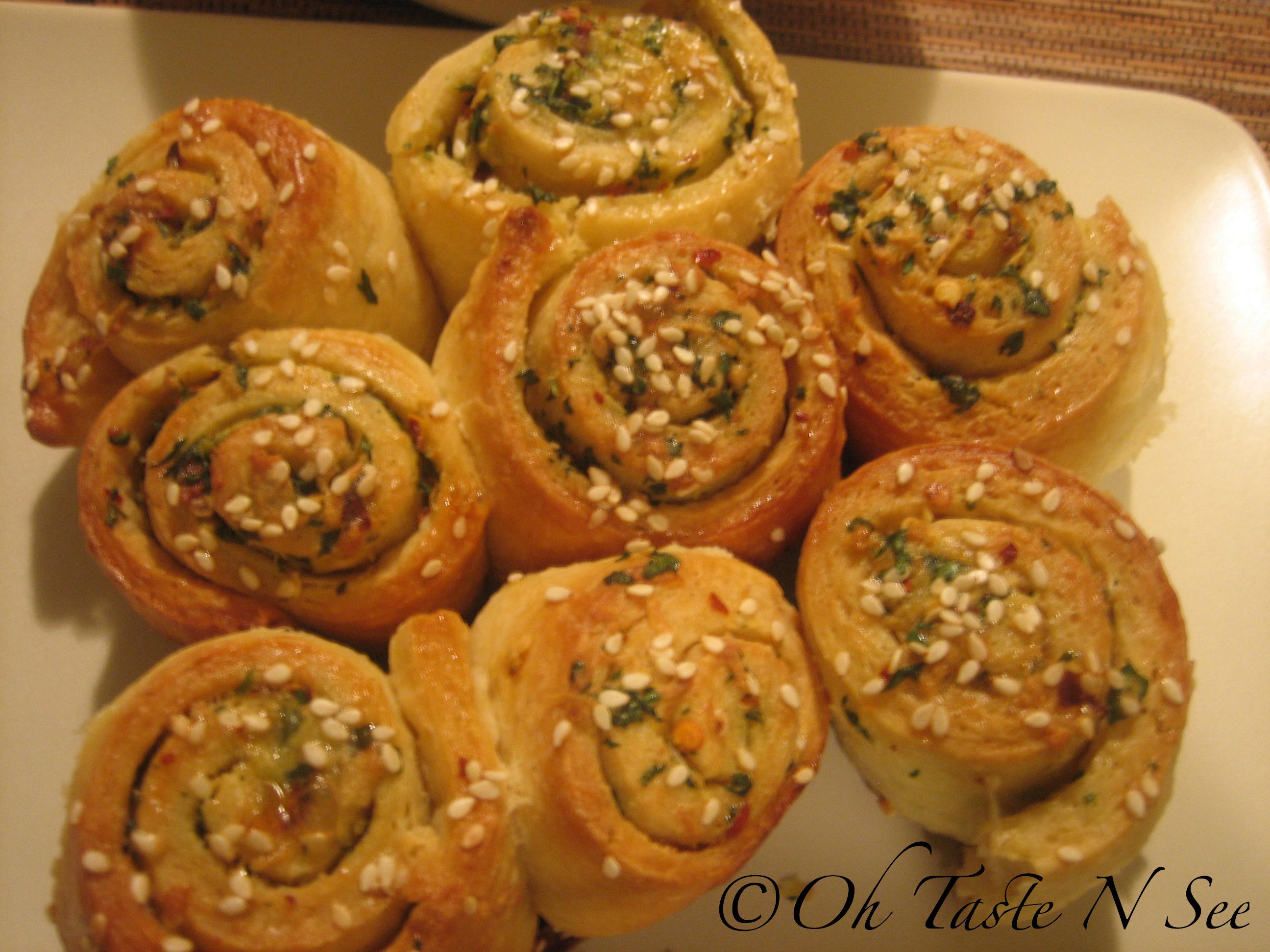 img 6990 wm - Garlic roll